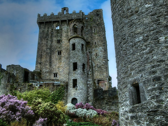 Learn How to Speak Irish Gaelic for Beginners castle ireland